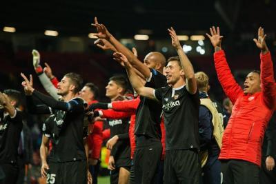 Roma y Sevilla reescriben su historia en la 'Champions'