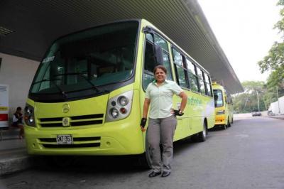 Historias de mujeres al volante de Metrolínea