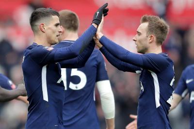 Con Dávinson Sanchéz en la cancha, Tottenham venció 3-0 al Swansea
