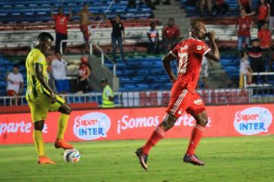 Al Atlético Bucaramanga le falló la puntería y perdió 2-1 con el América