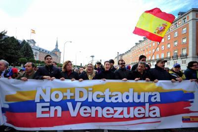 Frente opositor venezolano marchó en rechazo a comicios