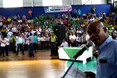 Así fue la 'rechifla' contra Minambiente en Bucaramanga durante reunión sobre páramo de Santurbán