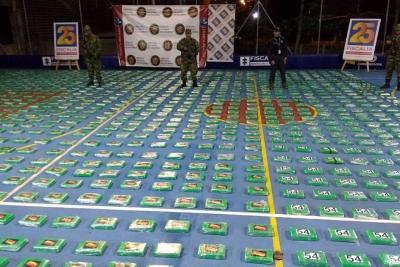 Armada decomisó 699 kilos  de cocaína al Clan del Golfo