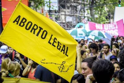 Diputada oficialista pide no debatir aborto en víspera de Semana Santa