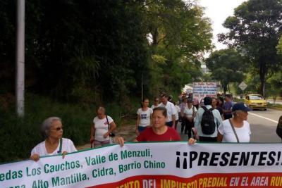 Residentes de Ruitoque bajo protestan nuevamente por alzas en el predial