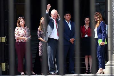 """Colombia """"lamenta"""" renuncia de presidente de Perú"""