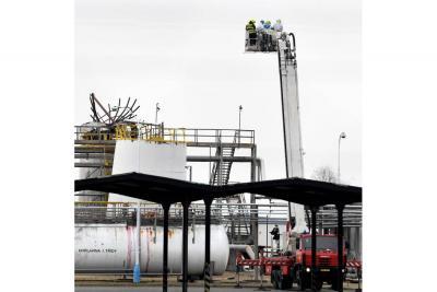 Seis muertos y dos heridos por explosión en una planta química