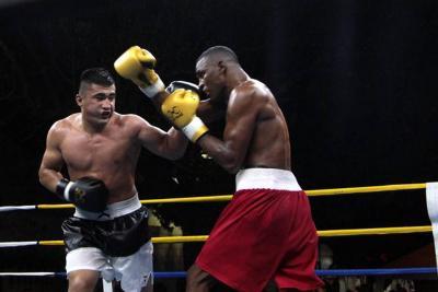 Colombia derrotó a Uzbekistán en la serie Mundial de Boxeo