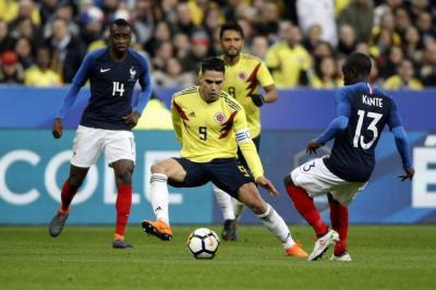 """""""Australia tiene jugadores de buen porte físico y con una estructura muy táctica"""": Pékerman"""