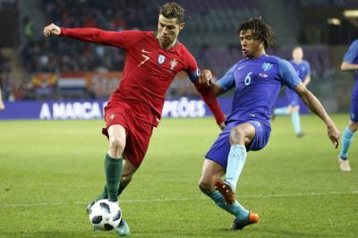 Holanda goleó a Portugal, y Uruguay ganó el China Cup