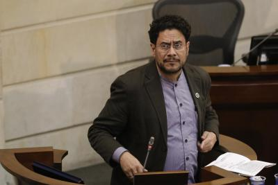 Senador Iván Cepeda fue diagnosticado con cáncer de colon