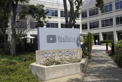 Al menos un muerto y tres heridos en tiroteo en la sede de YouTube