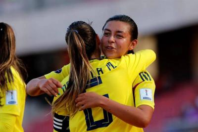 Con un gol de Yoreli Rincón, Colombia venció 7-0 a Uruguay en Copa América