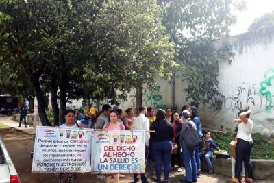Por desatención a sus hijos, madres en Bucaramanga protestaron en contra de Coomeva