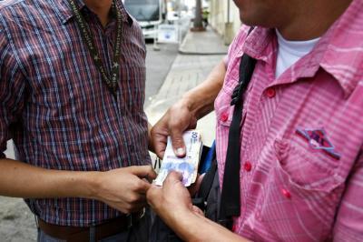 Falsos agentes de la Sijín robaron $12 millones en Bucaramanga