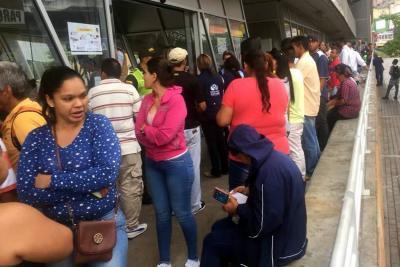 Masiva participación de venezolanos en censo de Bucaramanga