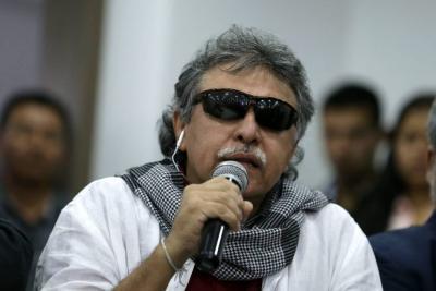 """""""No me temblará la mano para autorizar la extradición de Santrich"""": Santos"""