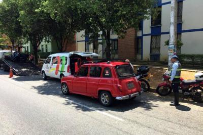 Imponen en Bucaramanga primera multa a dueño de un carro que contaminaba