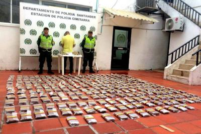 Policía decomisó 150 kilos de marihuana que iban en un bus