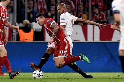 Con James como titular, Bayern Munich clasificó a la semifinal de la Champions