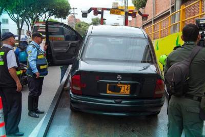 Han multado a 1.066 mototaxistas y 'piratas' en Bucaramanga este año