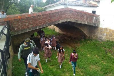Intervienen quebrada y Alameda de Las Nieves