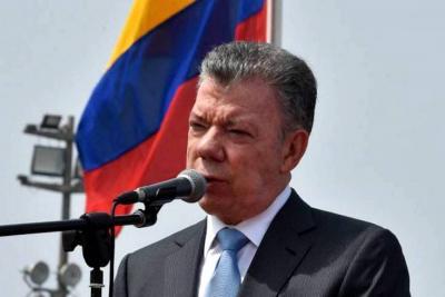 """""""Le ordené al Mindefensa que se traslade a Ecuador para apoyar a ese Gobierno"""": Santos"""