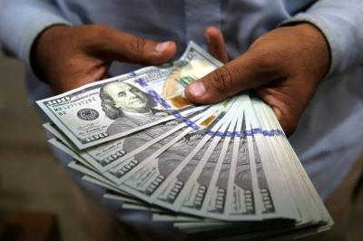 Caída del precio del dólar fue  impulsada por subida del crudo