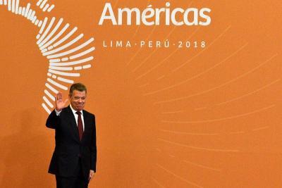 Santos defendió transparencia en infraestructura del país