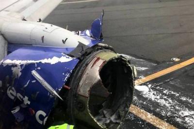 Un muerto tras reventarse un motor de avión en pleno vuelo