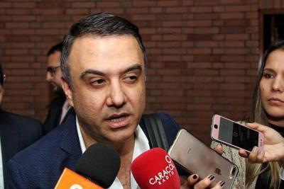 Aumentan tres meses más la suspensión del Gobernador de Córdoba