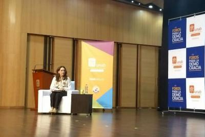 Reviva el foro con candidata Viviane Morales en Bucaramanga