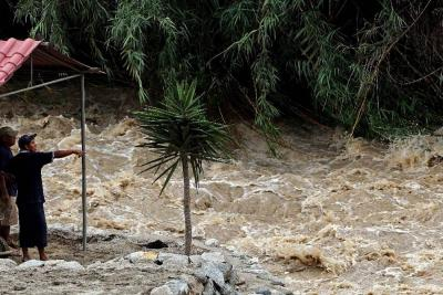 Crecientes súbitas tienen bajo amenaza a cerca de 350 familias en Bucaramanga
