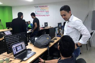 Harán 'hackathon' para crear soluciones TIC para vendedores ambulantes