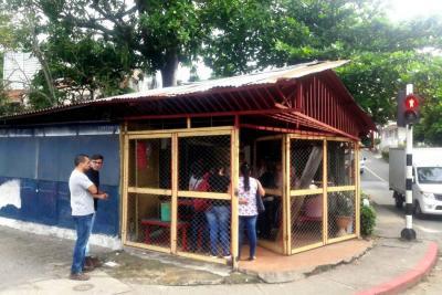 Demolerán caseta en Caracolí para recuperar espacio público