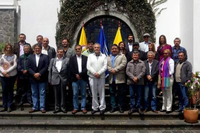 Gobierno y ELN anuncian pausa hasta que se defina nuevo anfitrión del diálogo