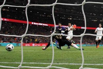 El Barcelona goleó 5-0 al Sevilla y se quedó con la Copa del Rey