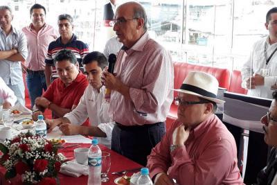 De la Calle asegura que si el uribismo regresa al poder, Colombia retrocederá