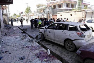 Ataque suicida en centro electoral de Afganistán dejó 48 muertos