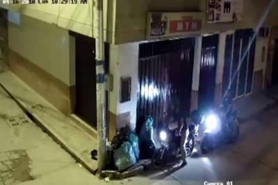 Videos registran cómo la comunidad trastea la basura en Lebrija