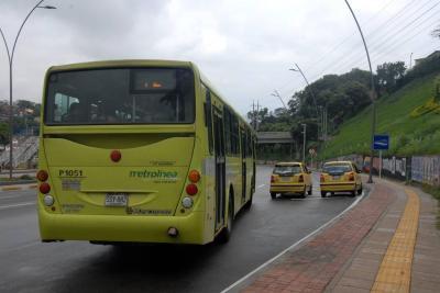 Metrolínea reconoce retrasos en sus rutas en Floridablanca