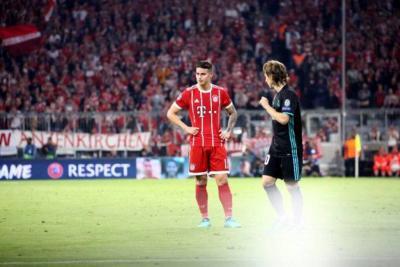 """James Rodríguez tiene """"molestias físicas"""" y es duda en el Bayern Múnich"""