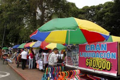 Alcaldía de Bucaramanga cobrará a ambulantes por utilizar el espacio público