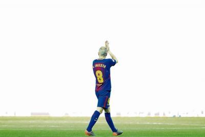 El fútbol mundial se desborda en elogios para Andrés Iniesta