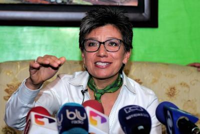 """""""La corrupción no la vamos a derrotar en Twitter o Facebook"""": Claudia López"""