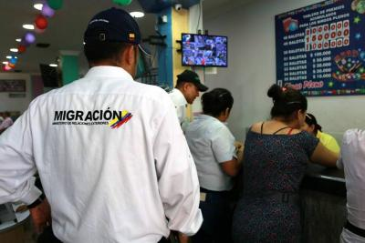 249 migrantes irregulares venezolanos han sido trasladados hasta la frontera