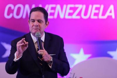Vargas Lleras celebró decisión del CNE de investigar a cuatro encuestadoras