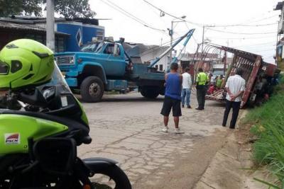 Habilitan vía a Bucaramanga - Cúcuta tras accidente de tránsito