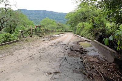 Desbordamiento de dos quebradas en Santander destruyó dos kilómetros de vía