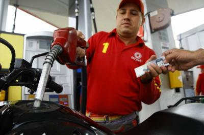 Precio de la gasolina subirá $100 a partir de este martes en Bucaramanga